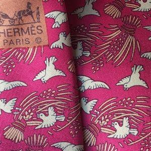 HERMES TIE 7291 DARK RED MAGENTA & TAN DOVES WHEAT